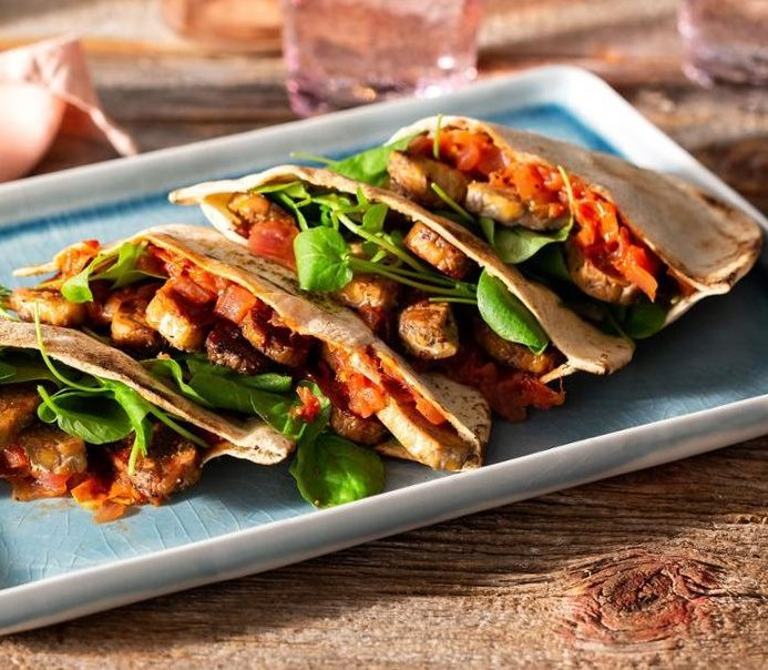 Crispy Tempeh Pita with Tomato-Onion Jam